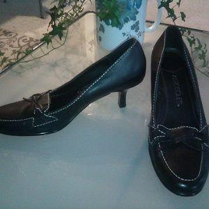 AEROSOLES leather heels, size 8